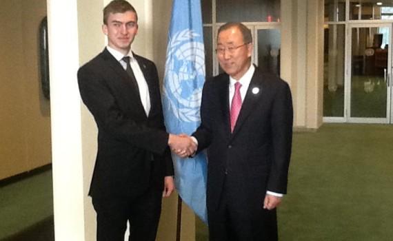 Luca alaturi de Secretarul General al Națiunilor Unite, H.E. Ban-Ki Moon